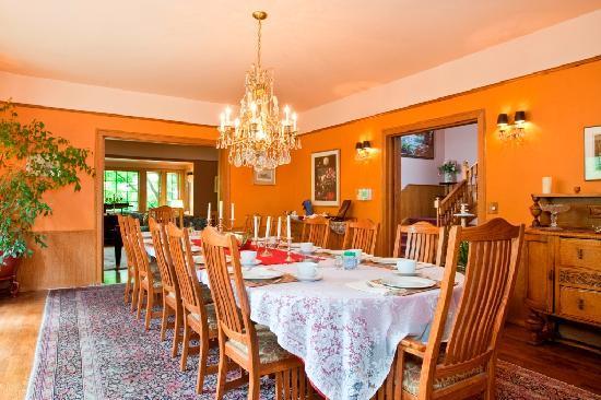 File:Dining-room.jpg