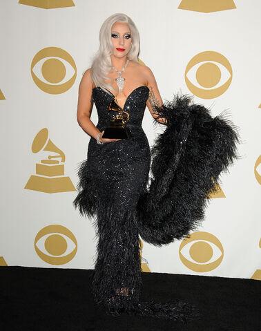 File:2-8-15 57th Grammy Awards - Black carpet at Staples Center in LA 001.jpg