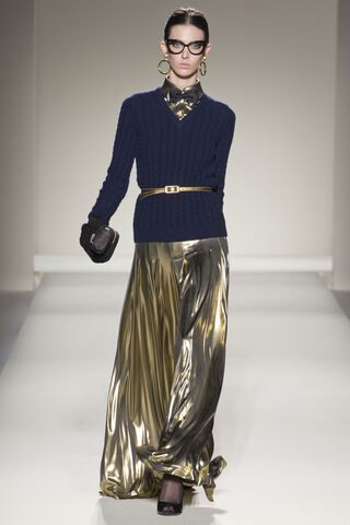 File:Moschino Fall 2011 RTW Gold Trousers.jpg