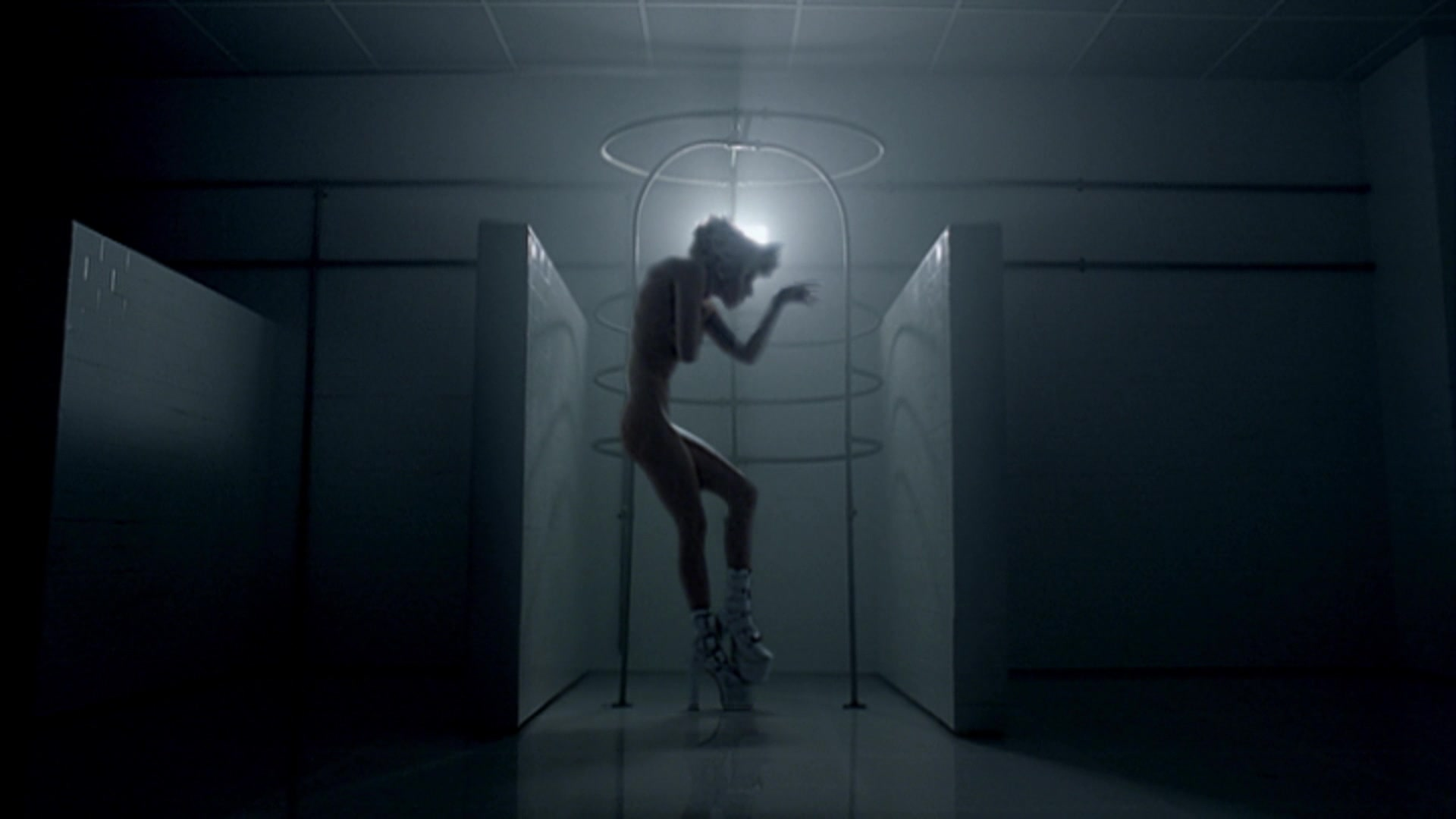 File:Lady Gaga - Bad Romance 019.jpg
