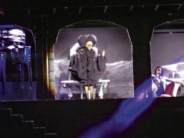 File:The Born This Way Ball Tour Fashion of His Love 004.jpg
