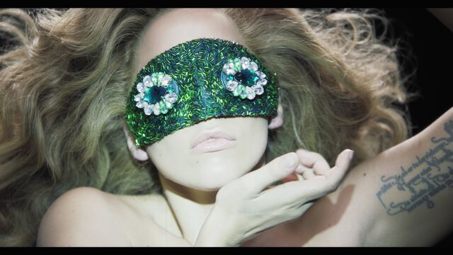 File:Applause Music Video 075.jpg