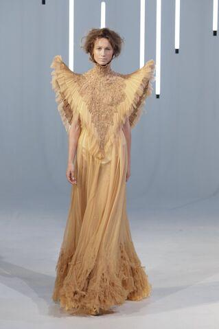 File:Jan Taminiau - Fall 2011 Haute Couture Collection 001.jpg