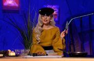 11-16-11 Alan Carr - Chatty Man 002