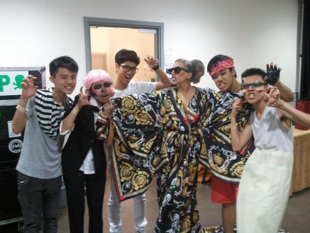 File:5-3-12 Backstage meet and greet 002.jpg