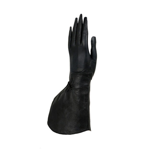 File:Alaïa - Leather gloves.jpg