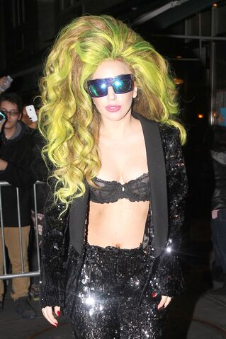 File:4-2-14 Arriving at Roseland Ballroom 002.jpg