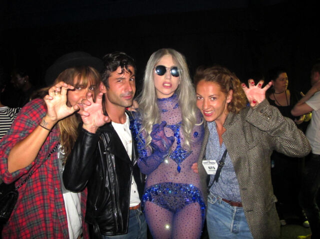 File:100521-Aftershow with Sara Nataf-Andre Saraiva-Jen-Eymere-with-Gaga.jpg