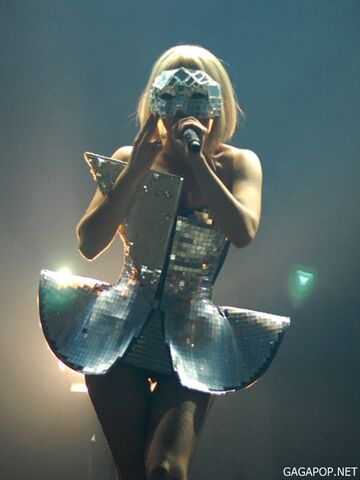 File:7-3-09 The Fame Ball Tour at Rock Werchter Festival 004.jpg