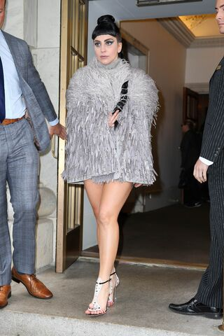 File:7-29-14 Leaving Oak Room in NYC 001.jpg