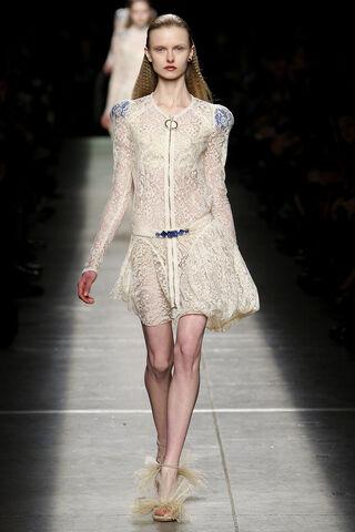 File:Givenchy Fall 2009 RTW Zipped Longsleeve Lace Dress.jpg