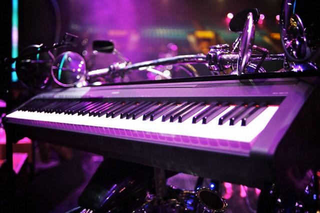 File:IHeart Radio Music Festival - Stage equipment 002.jpg
