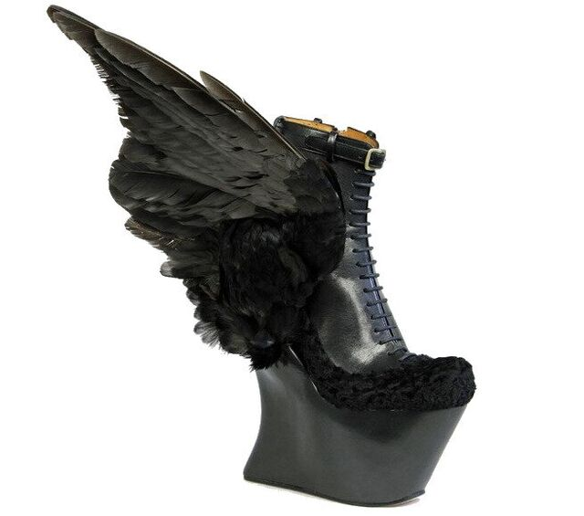 File:Christian Dada x Masaya Kushino - Wings shoes.jpg