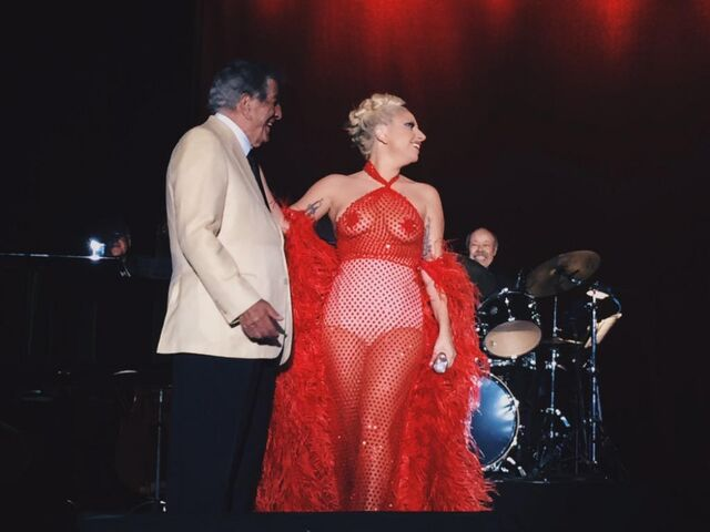 File:7-8-15 Cheek to Cheek Tour 002.jpeg