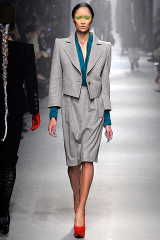 File:Vivienne Westwood - Fall RTW Collection.JPG