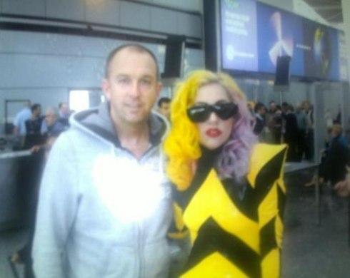 File:3-6-10 Arriving at Heathrow Airport in London 001.jpg