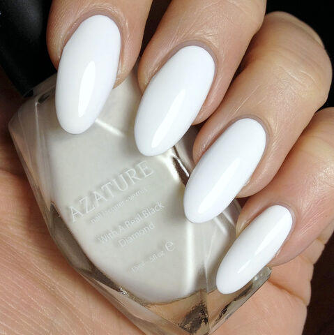 File:Azature - Faint White Diamond - Nail lacquer.jpg