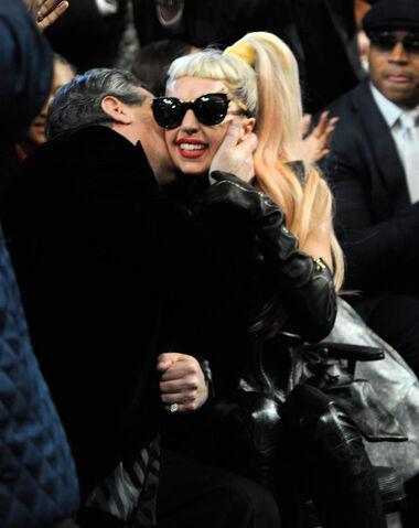 File:2-13-11 Grammy Audience 003.jpg