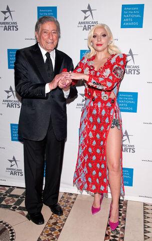 File:10-19-15 At National Arts Awards in NYC 002.jpg