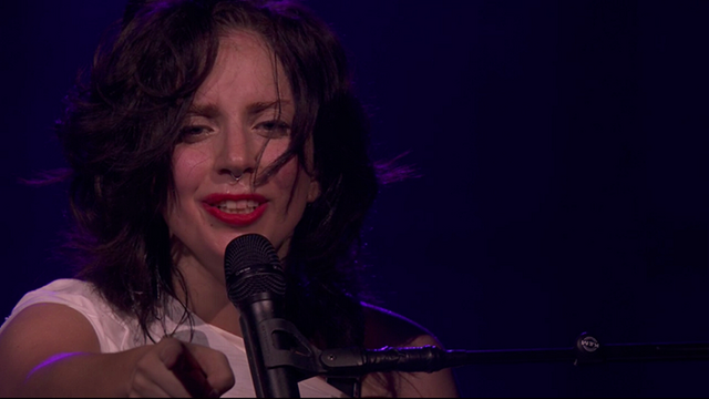 File:9-1-13 iTunes Festival - I wanna be with You performance 001.png