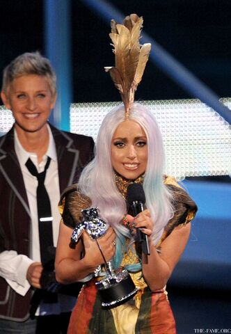 File:9-12-10 MTV VMA - Best Female Video 003.jpg