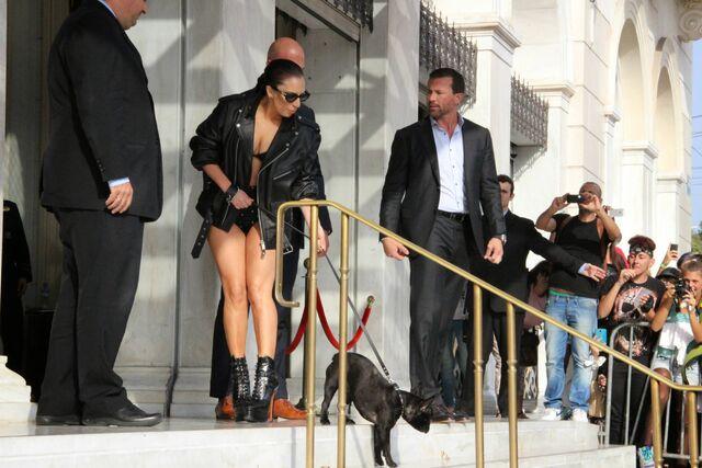 File:9-20-14 Leaving Hotel in Athens 001.jpg
