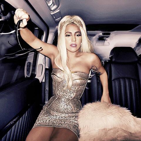 File:Lady-gaga-versace-1.jpg