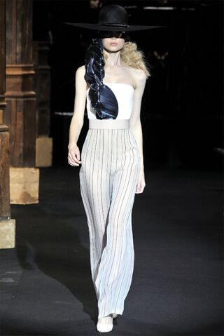 File:Hussein Chalayan Spring 2010 RTW Striped Trousers.jpg