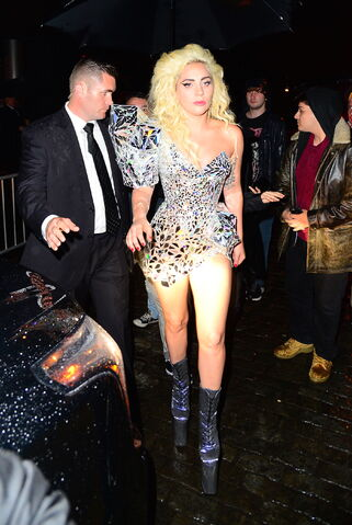 File:5-2-16 Leaving Up & Down Club in NYC 001.jpg