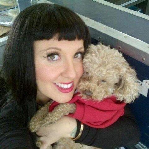 File:Tara and Fozzi Bear.jpg