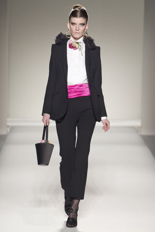 File:Moschino Fall Winter 2011 RTW Collection - Jacket.jpg