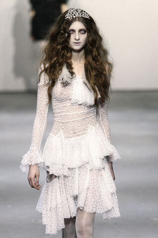 File:Ann-Sofie Back Fall 2009 RTW Lace Dress.jpg