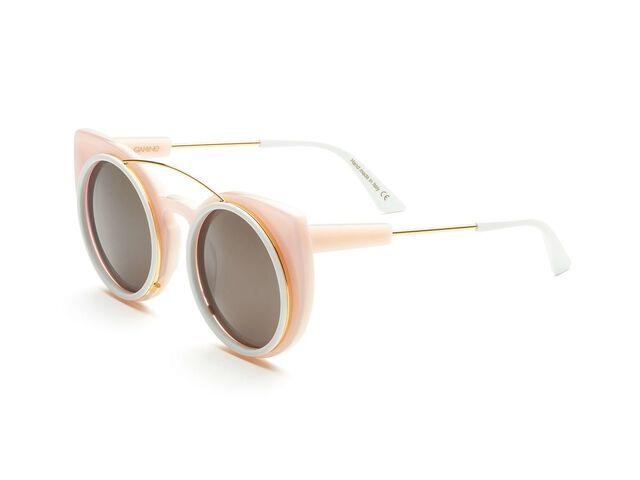 File:Gamine - Saint Martin glasses.jpg