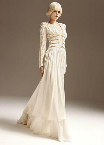 File:Atelier Versace Spring-Summer-2011.jpg