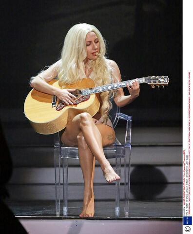 File:10-27-13 The X Factor Performance 005.jpg