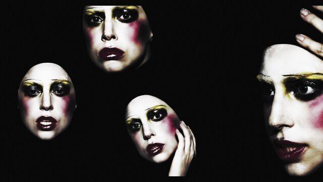 File:Applause Music Video 037.jpg