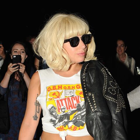 File:Back to her apartment in NYC (June 19) (1).jpg