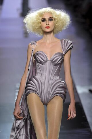 File:Jean Paul Gaultier - Fall-Winter 2009 HC Collection.jpg
