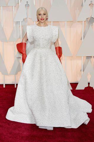 File:2-22-15 Oscars Red Carpet 002.jpg