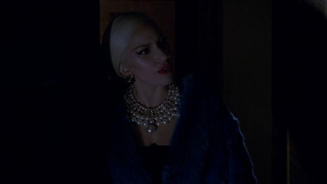 File:AHS Hotel - She Wants Revenge 018.jpg