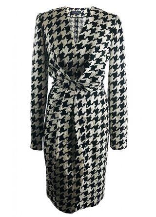 File:Salvatore Ferragamo Fall 2011 RTW Houndstooth Print Longsleeve Dress.jpg