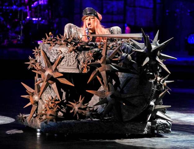 File:The Born This Way Ball Tour The Queen 001.jpg