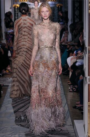 File:Valentino - Fall-Winter 2011 Haute Couture Collection.jpg