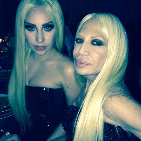 File:1-19-14 At Versace Fashion Show in Paris 005.jpg
