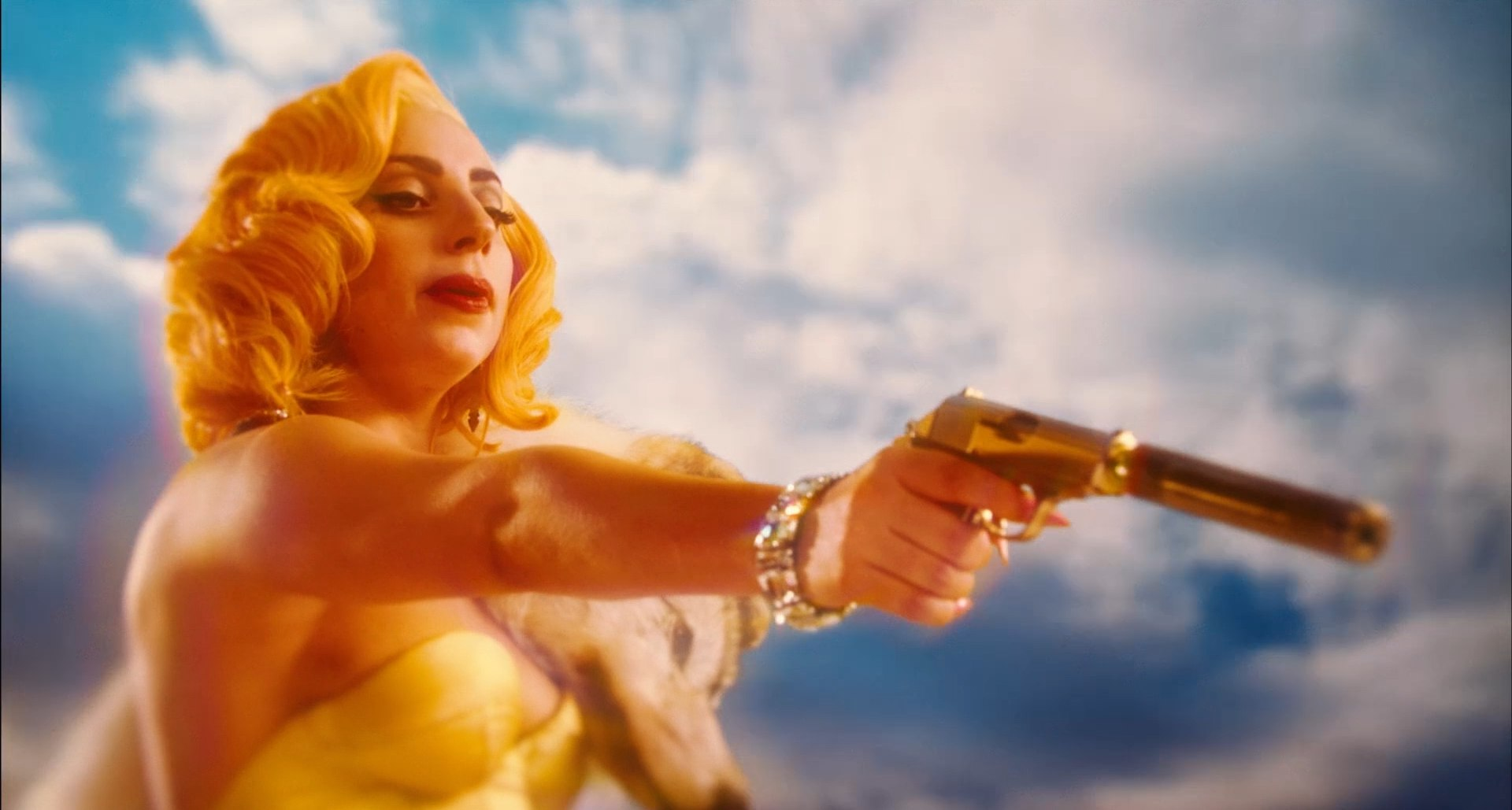 File:Machete Kills Trailer 012.jpg