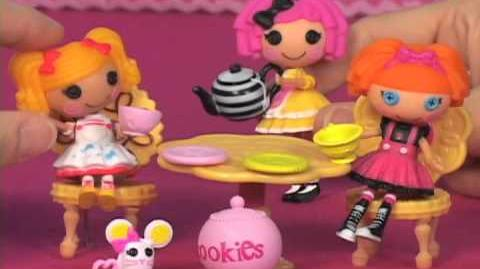 Crumbs' Tea Party & Pillow's Sleepover Party Playsets