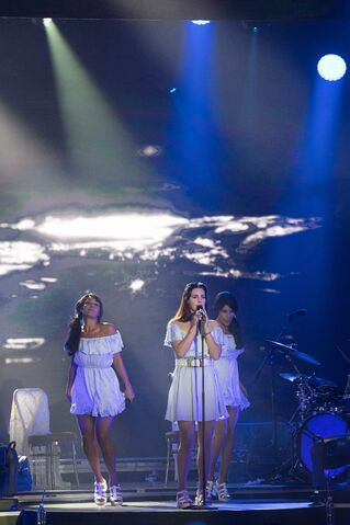 File:Lana Del Rey Performing live during the 68th Monaco Red Cross Gala July 23-2016 008.jpg
