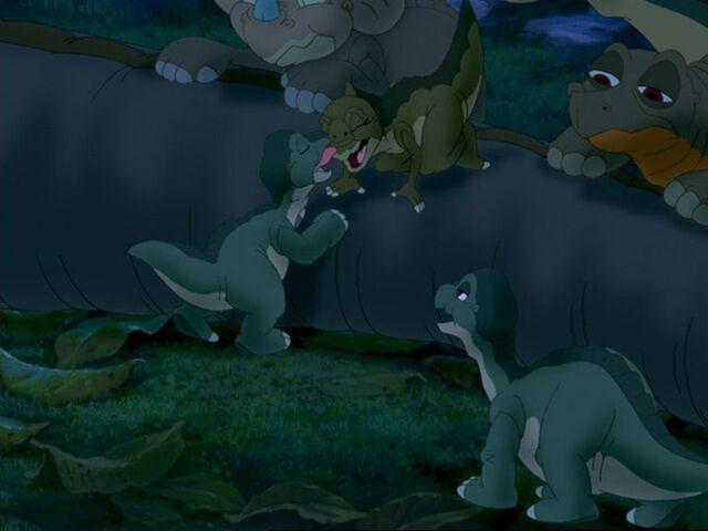 File:Baby Diplodocus.jpg
