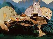 Littlefoot-cera-ducky-petrie-spike-the-great-valley-adventure-24264672-259-194