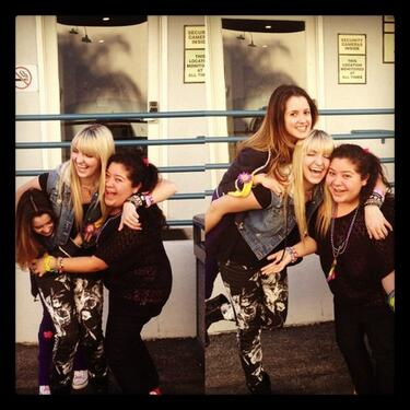 File:Laura, Rydel and Raini.jpg